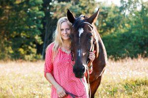 Klaudia mit Pferd