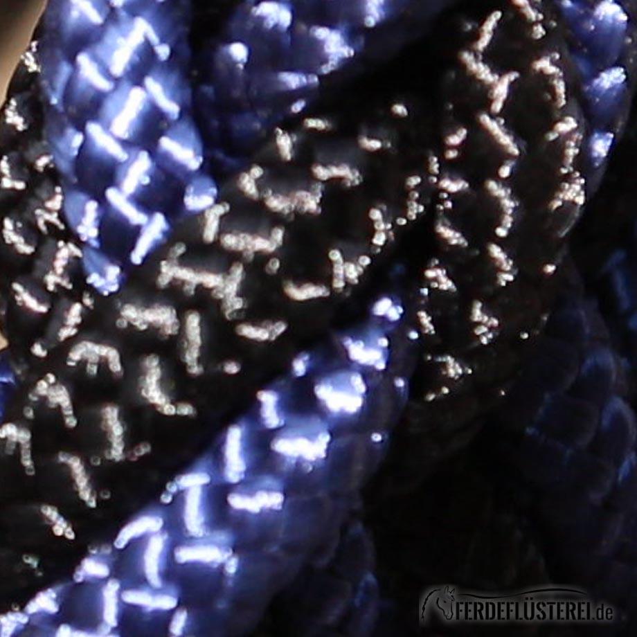 Schwarz-Blau