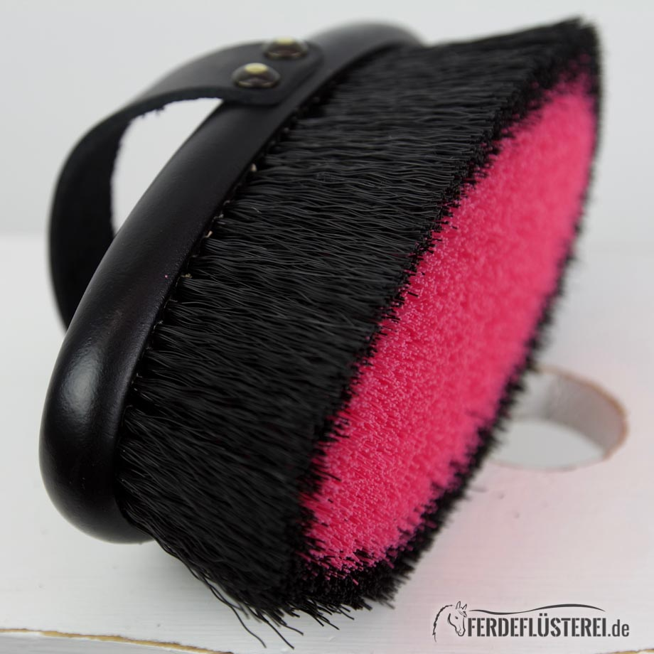 Leistner Bürste  KArdätsche schwarz pink seitlich