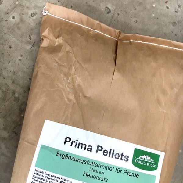 Kräuterwiese Heucobs pellets Futter Pferd