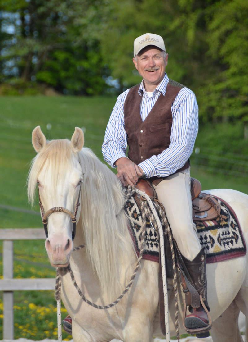 """Harmonie mit dem Pferd: Wie der """"sanfte Touch"""" dir dabei helfen kann 2"""